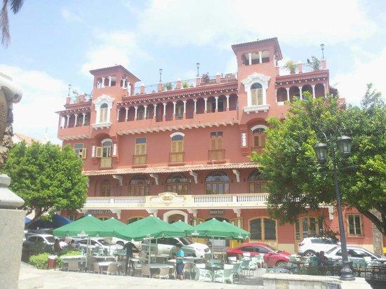 Casco Viejo: Plaza bolivar
