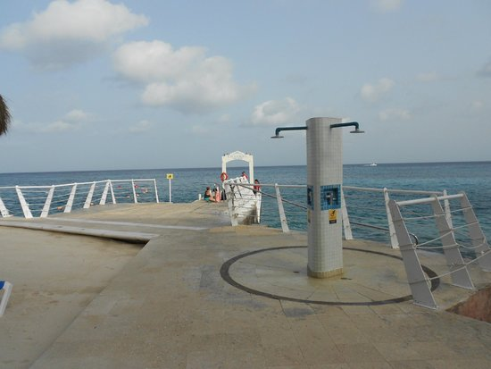 Cozumel Palace : Dive shop and pier