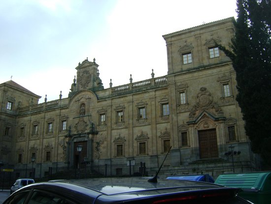 Escuela menores - Picture of Salamancas Plaza Mayor ...