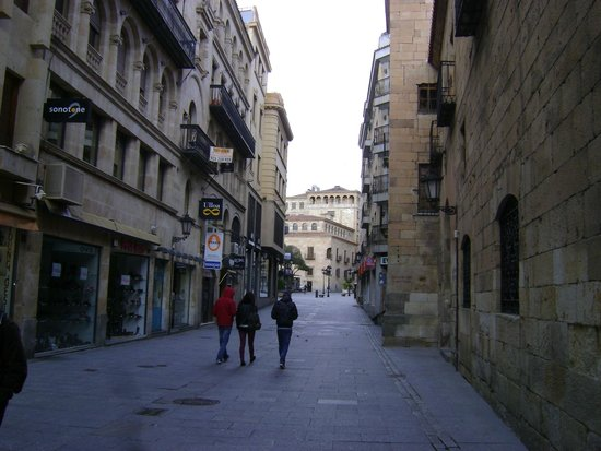 Salamanca's Plaza Mayor : Calle Melendez