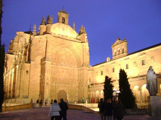 Salamanca's Plaza Mayor : San Esteban de noche