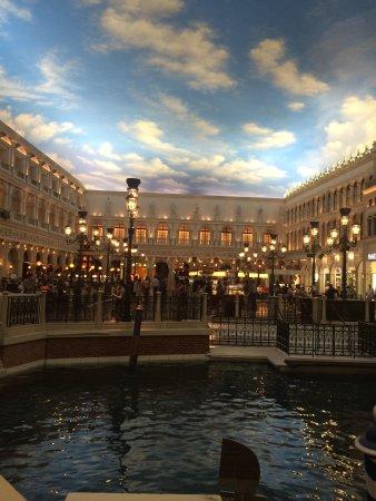 Gondola Rides at the Venetian : 1