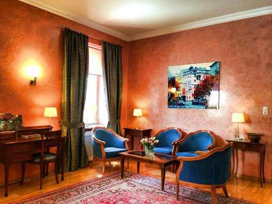 Hotel Mozart : Living & reading room
