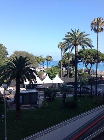 Mercure Nice Promenade des Anglais : View from by rooms Balcony!