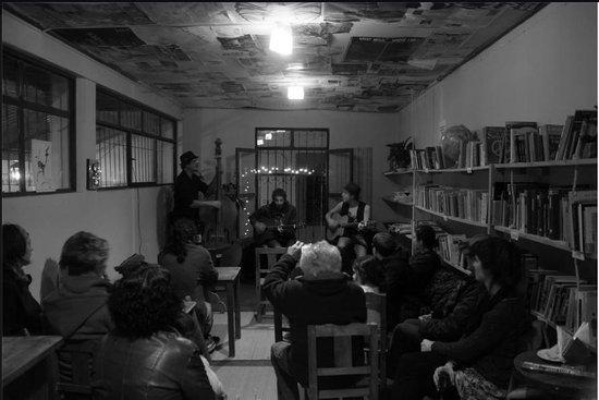 Los Artistanos: Tcha Badjo, jazz manouche