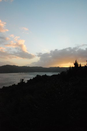 Fish Eagle Lodge: Sunset on the Knysna Lagoon