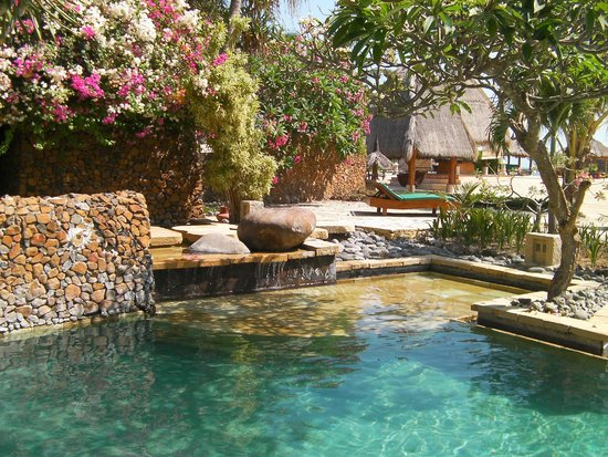 Tour Lombok Huge Variety Of Accommodation On Southern