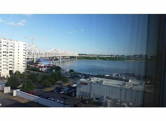 Sheraton Louisville Riverside Hotel: View from Room 920