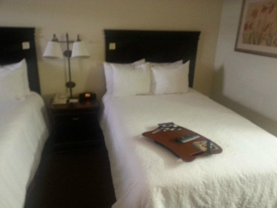 Red Roof Inn Tupelo: Nice beds, really clean duvets!