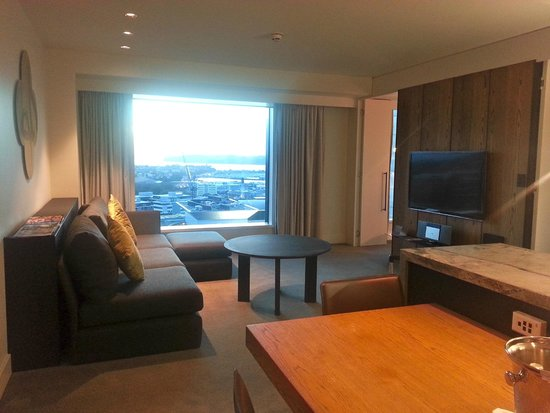 SKYCITY Grand Hotel: Suite/Lounge