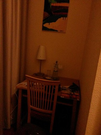 Novum Hotel Gates Berlin Charlottenburg : habitacion