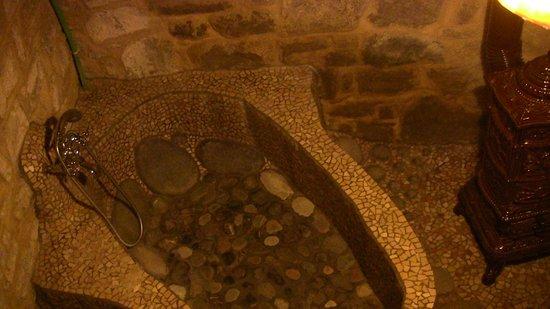 Vasca Da Bagno Romantica : Vasca da bagno in pietra foto di b b la fossa vetto tripadvisor