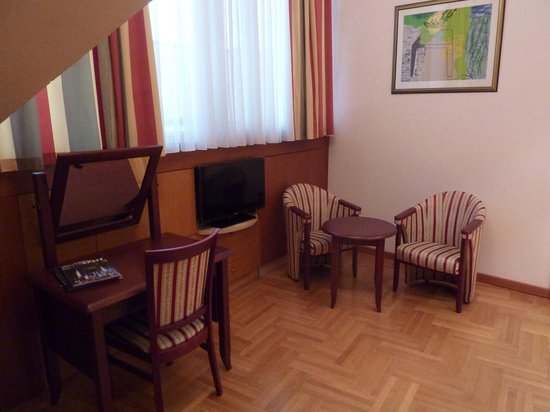 Hotel President: habitacion