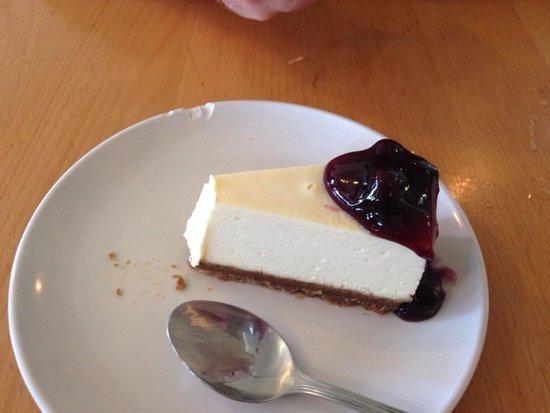 Opal Thai: Blueberry cheesecake