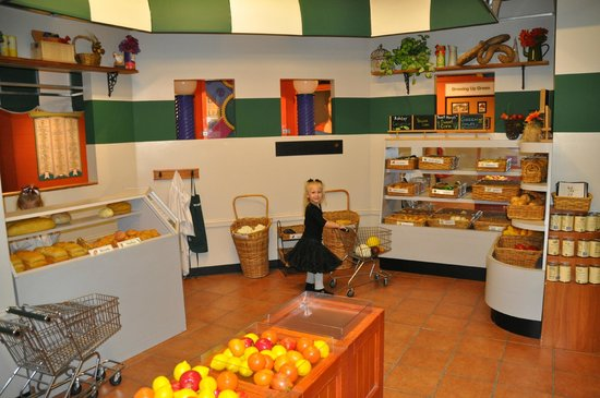Greensboro Children's Museum : The Market was a great mock grocery store!