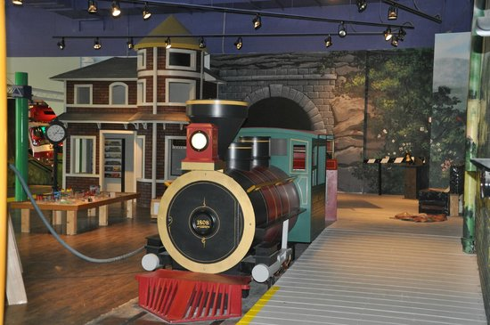 Greensboro Children's Museum : The kids loved being engineers, but they took several breaks to the dining car too!  ;)