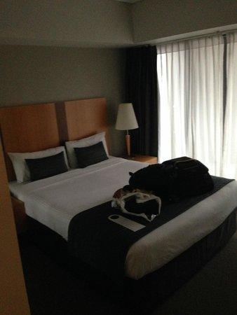 Mantra Southbank Melbourne: main bedroom