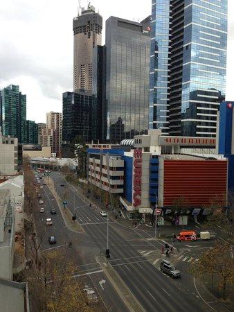 Mantra Southbank Melbourne: CBD views