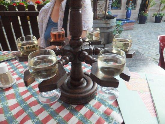 Frankische Weinstube im Handwerkerhof: Wine carousel