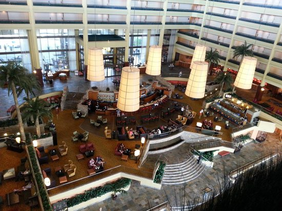 JW Marriott Desert Springs Resort & Spa: view from the 8th floor looking down to lobby & bar area