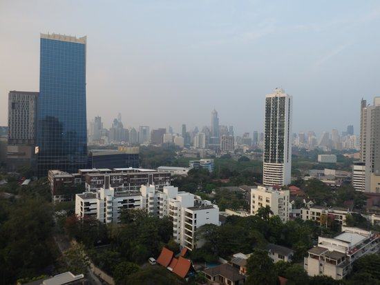 Pantip Suites Sathorn : View from the Balcony