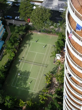 Aegean Apartments: Tennis court from balcony