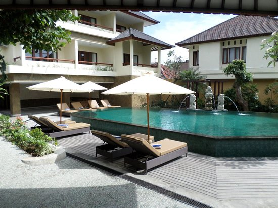 Sri Phala Resort & Villa: New front pool area 2014