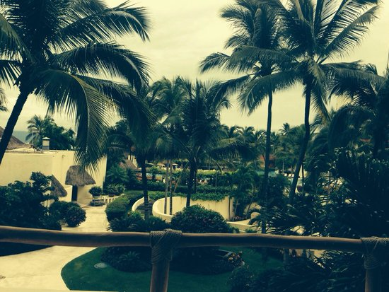 Grand Velas Riviera Nayarit : Rainy 15 min