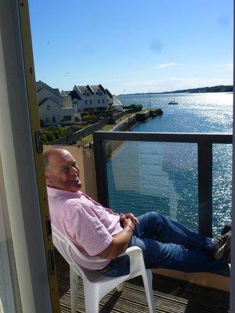 Hotel Port Dinorwic : Sitting on the balcony