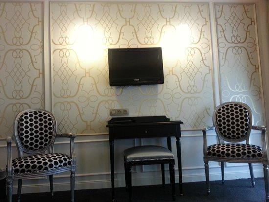 Hotel Saint Petersbourg : My room 107