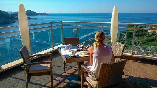 Hotel Bellevue Dubrovnik: Can you beat this breakfast view???