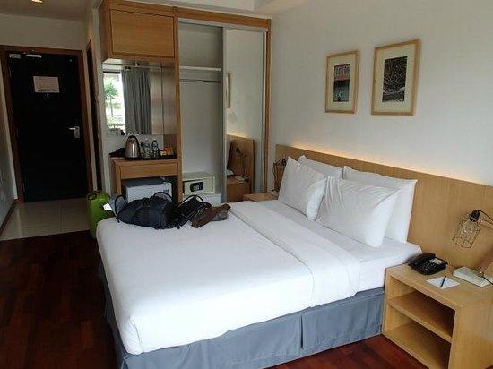QuaySide Hotel: room
