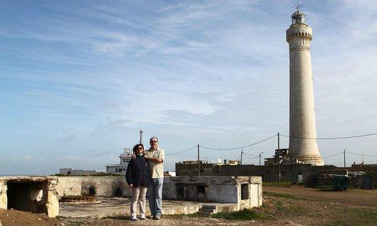 Under Moroccan Sun, LLC - Morocco Tours Specialist: Fmr. 19,5 cm Vichy-battery next to El Hank LH