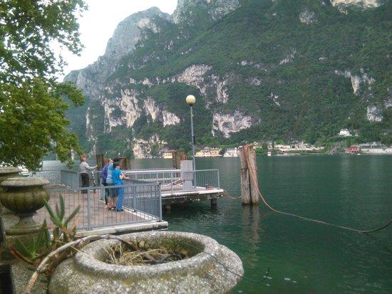 Hotel Garda - TonelliHotels: Udsigt i byen Riva del Garda.