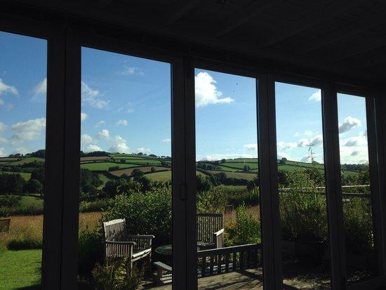 Mitchelcroft B&B: The wonderful view from breakfast