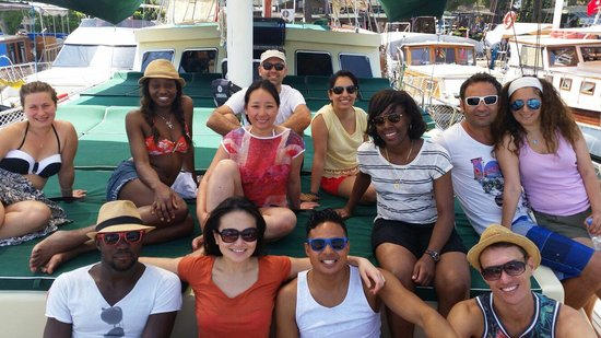 Before Lunch Boat Cruises: Lovely group ;)
