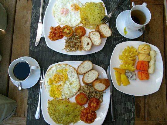 Landing Point Villa: Several sets of breakfast for choosing