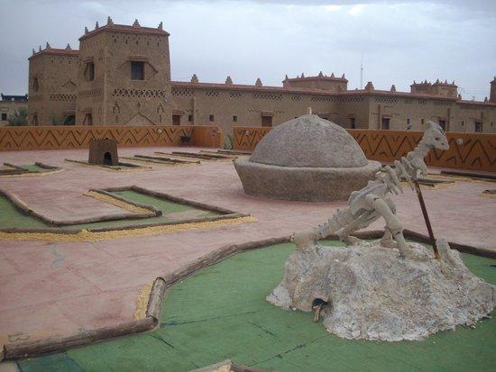 Kasbah Hotel Xaluca Arfoud: Miniature Golf Terrace