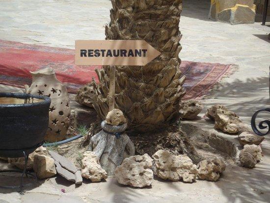 Kasbah Hotel Xaluca Arfoud : Restaurant Sign