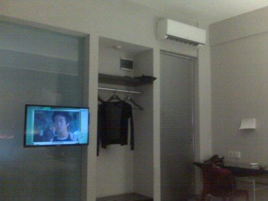 Loft Legian Hotel: Facilites in the room