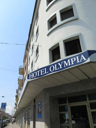 Olympia Hotel : Entrance