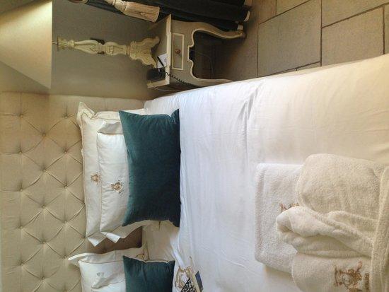 Chateau Le Cagnard: Room