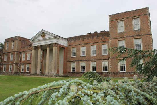 The Vyne: House from the lawn