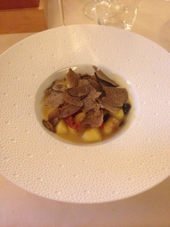 Restaurant JYS : Gnocchi with summer truffle
