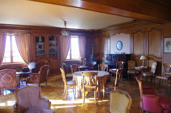 Hotel l'Esplanade : Sitting room - very olde French