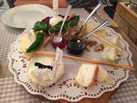Osteria L'Oca Giuliva : Tabla de quesos