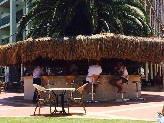 Marti La Perla: pool bar