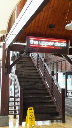 Cicerello's: Stairs to upper deck