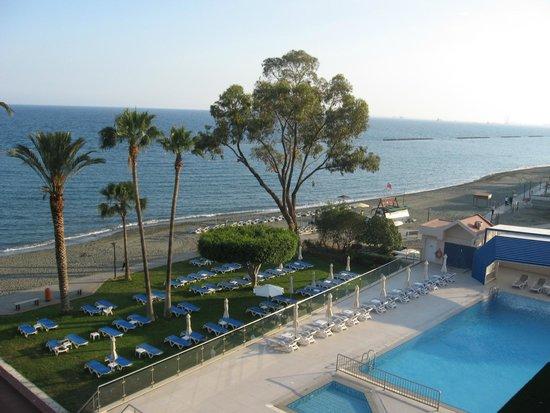 Poseidonia Beach Hotel: Вид из номера