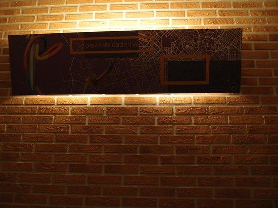 New Generation Hostel Urban Brera: Wall inside the room